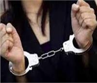 الحبس سنة لأوكرانية بتهمتي النصب وجمع مبالغ مالية من أجانب بالغردقة