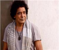 محمد منير يتبرع بجزء من أرباح «حفل الجمعة» لمصابي حريق محطة مصر