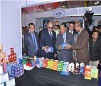 افتتاح معرض «دكاكين مصر» للسلع الغذائية بأسعار مخفضة بأسيوط