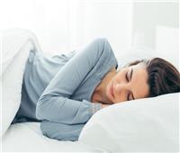 النوم لساعات متواصلة نهاية الأسبوع مرتبط بزيادة الوزن