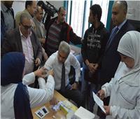 محافظ المنيا يجٌري فحوصات فيروس سي خلال إطلاق مبادرة 100 مليون صحة
