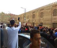 أهالي الخانكة يشيعون جنازة أحد ضحايا حريق محطة مصر