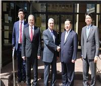 شاكر يستقبل رئيس منظمة «الربط الكهربائي العالمي» لبحث سبل التعاون