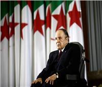 رسائل بوتفليقة للجزائريين.. وعود بـ«دستور جديد» وانتخابات مبكرة من دون ترشحه