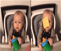 فيديو| رمي الجبنة على وجوه الأطفال.. تحد جديد على الإنترنت