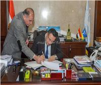 محافظة الإسكندرية تبرم أول 9 عقود لتقنين واضعي اليد