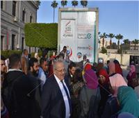 صور| طلاب جامعة القاهرة يشاركون بحملة 100 مليون صحة
