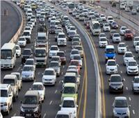 فيديو  كثافات مرورية متوسطة بمحاور وميادين القاهرة