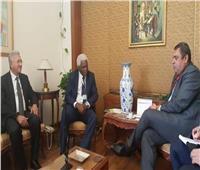 وفد منظمة الحكومات المحلية المتحدة الأفريقية يتفقد مقرها الجديد بالقاهرة