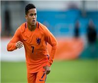 «كلويفرت الصغير» يقود قائمة نجوم هولندا أمام منتخب مصر