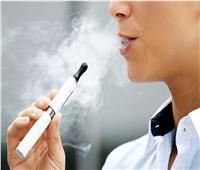 مدخنو السجائر الإلكترونية أكثر عرضة للإصابة بأمراض القلب