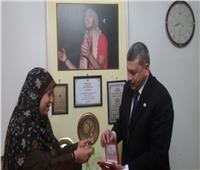 «عبد المنعم» يكلف ١٠ فرق رعاية بالتواصل مع أسر الشهداء بالمحافظات