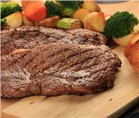 طبق اليوم..«لحم ستيك مع بطاطس بالأعشاب»
