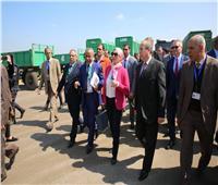 وزيرة البيئة تشهد تسليم معدات رفع كفاءة منظومة النظافة بكفر الشيخ