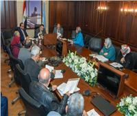 محافظ الإسكندرية يوجه بحلول عاجلة لمشكلات الكهرباء والإنارة بالأحياء