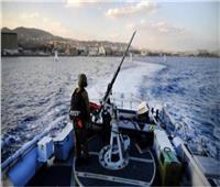 زوارق الاحتلال الإسرائيلي تعتقل صيادين فلسطينيين ببحر شمال غزة