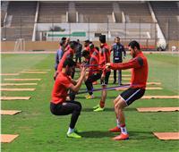 الدوليون ينتظمون في مران الأهلي قبل القمة
