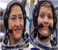رواد فضاء ناسا ينفذون أول رحلة سير فضائية لسيدتين