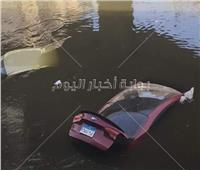 صور| سقوط 3 سيارات في ترعة المريوطية بسبب «ميكروباص»