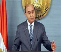 مميش يُهدي رئيس الوزراء درع «الهيئة الاقتصادية» لقناة السويس