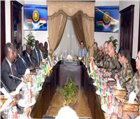 وزير الدفاع يلتقي رئيس اللجنة الوطنية للمرحلة ما قبل الانتقالية بجنوب السودان