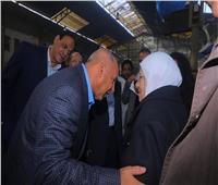بالصور.. تفاصيل جولة وزير النقل بمحطة مصر لمتابعة مستوى الخدمة