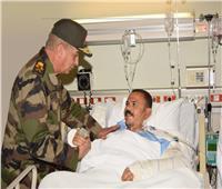 وزير الدفاع يزور المصابين والمرضى بالمستشفيات العسكرية
