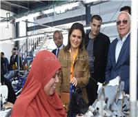 وزيرة الاستثمار تتفقد مصنع ملابس اللوتس وإيدج ببورسعيد