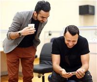 نادر حمدي يحتفل بعيد ميلاد أحمد فهمي: «دايما مشرفنا»