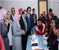 رئيس جامعة طنطا يتفقد لجان الفحص بمبادرة «100 مليون صحة»