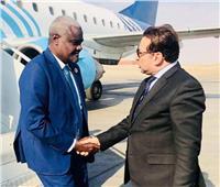 رئيس المفوضية الأفريقية ورئيس الكاف يغادران أسوان