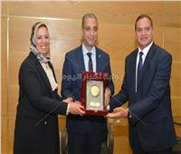 محافظ سوهاج ورئيس الجامعة يشهدان احتفالية مبادرة «علشان بكرة»
