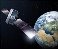 محمد بن راشد يوجه بتطوير أول قمر صناعي عربي مشترك