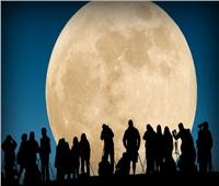 ظهور القمر البدر العملاق اليوم