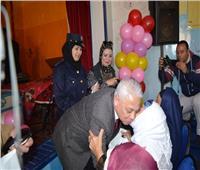 مدير أمن البحيرة يشارك أمهات دور المسنين بدمنهور احتفال عيد الأم