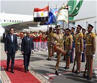صور..رئيس الوزراء يستقبل نظيره العراقي بمطار القاهرة .. وجلسة مباحثات موسعة اليوم