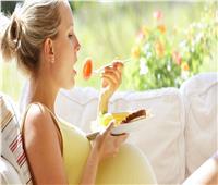 الغذاء الغني بالدهون والسكر أثناء الحمل يضر بقلب الأبناء