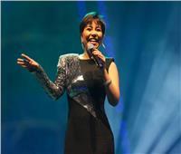 الإذاعة تمنع أغاني شيرين لحين التحقيق معها