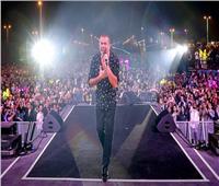 عمرو دياب ينشر صورًا من حفله بالسعودية