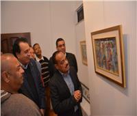 مدير النشاط الثقافي بالمركز الروسي يفتتح «الناس حواديت» للفنان عبد الجواد