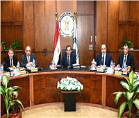 وزير البترول يعتمد موازنة شركة صان مصر