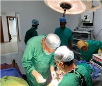 قافلة جامعة أسوان توقع الكشف الطبي على 500 مريض