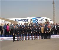 صور| وزير الطيران يحتفل بوصول طائرة الأحلام مطار القاهرة
