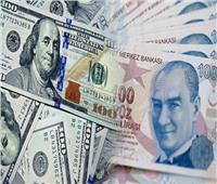 حجب السيولة المحلية يدفع الليرة التركية للتراجع 5% أمام الدولار الأمريكي