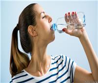 مفاجأة.. شرب المياه يُصيبك بالسمنة