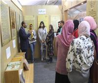 مخطوطات جناح الأزهر تجذب زوار معرض الإسكندرية الدولي للكتاب