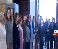 لحظة وصول الرئيس السيسي إلى مقر الاحتفال بيوم المرأة المصرية