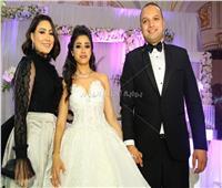 صور| بوسي تشعل زفاف «باسم وماهيتاب» بأغانيها المميزة