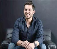 محمد رشاد مع هشام عباس في «شريط كوكتيل»
