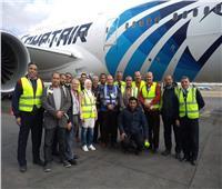 طائرة «الأحلام» تستقبل الرحلات بعد انتهاء التدريب بمطار القاهرة